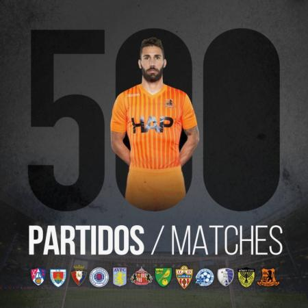 Carlos Cuéllar reaches 500 matches